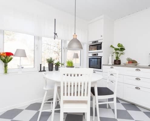 klasyczna biała kuchnia zdjęcia